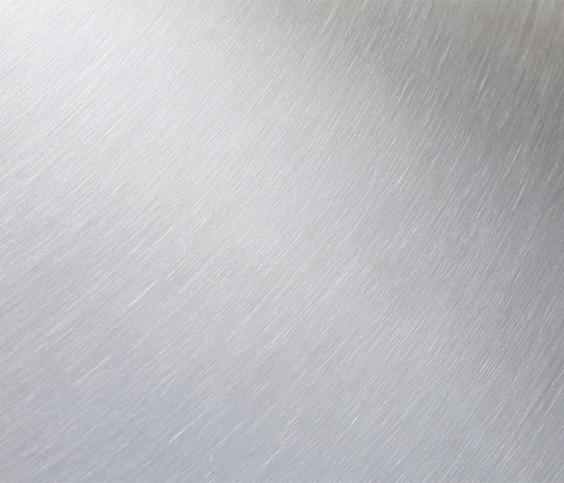 Radiale en omtrekafwerking van een roestvaststalen tank