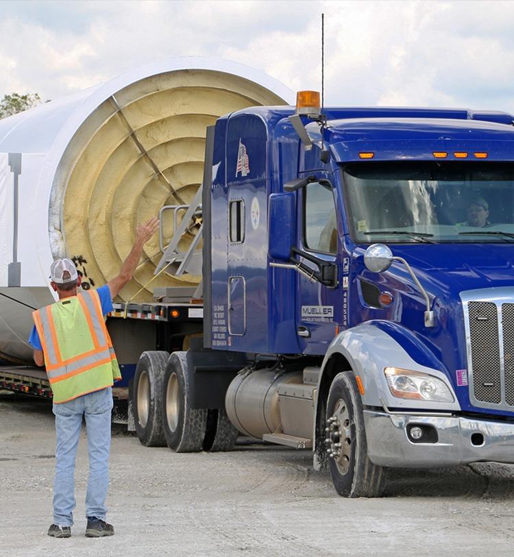 Transport van grote silo's